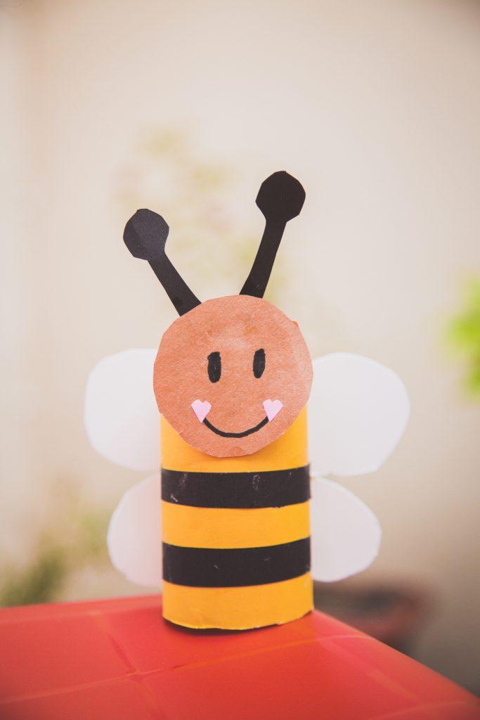 abelhinha de rolo de papel higiênico