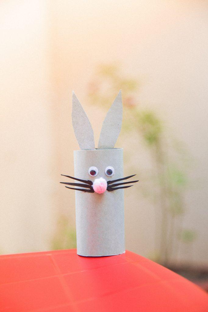 coelhinho de rolo de papel higiênico